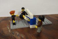Lego Figuren an einer Lambada-Stage