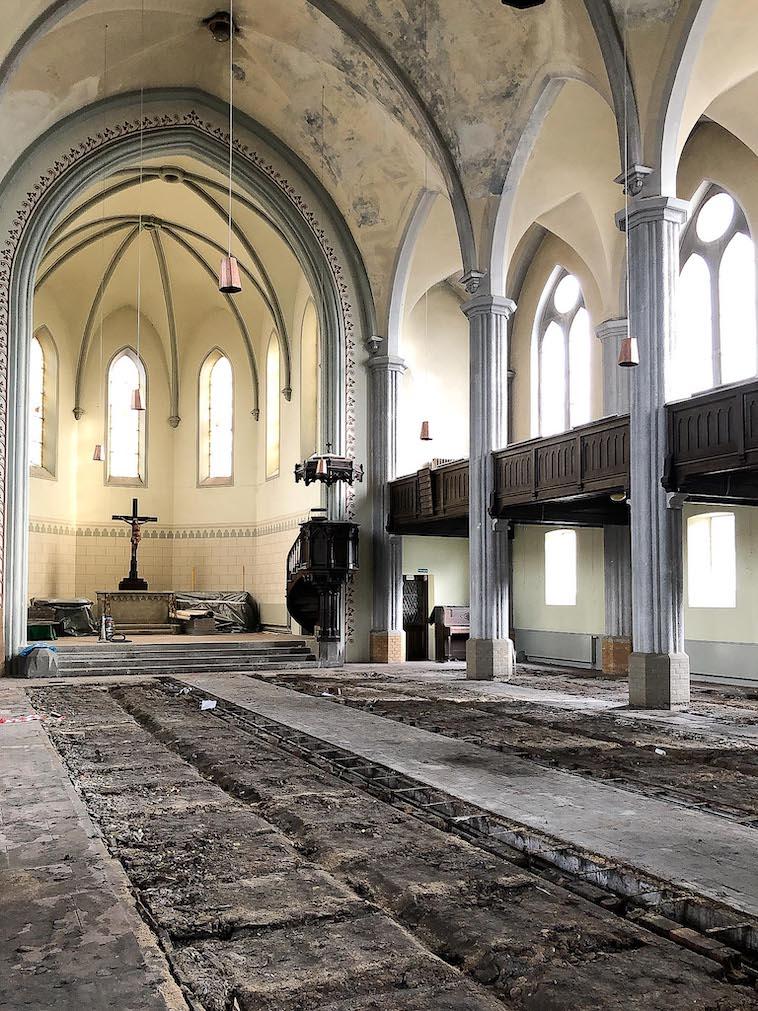 Erneuerung Fußboden Friedenskirche - Mittelschiff